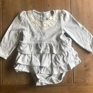 H&M light gray onesie baby girl 4-6M
